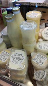 Milch, Käse und Spezialitäten aus regionaler Herstellung