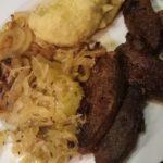 #1 Leber vom Schaf mit Kartoffelbrei und goldenen Zwiebelringen