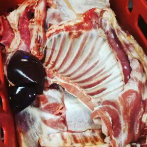 Das ganze Schaf, zerlegt vom Fleischer