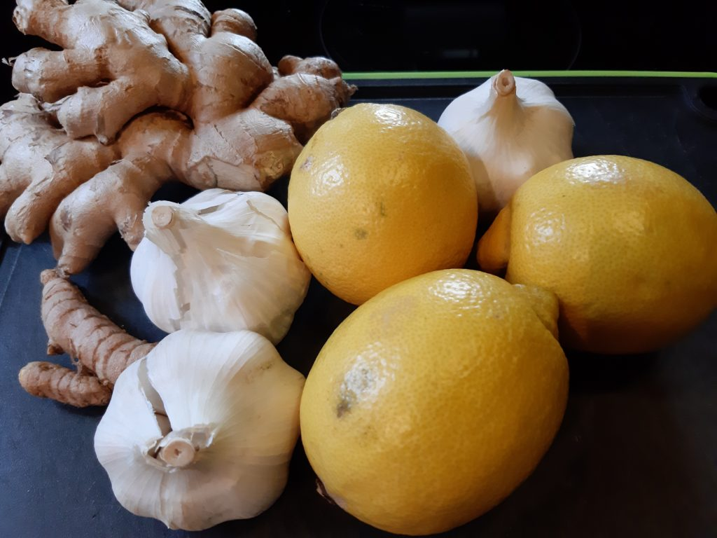 Knoblauch-Zitronen-Kur mit Kurkuma und Ingwer